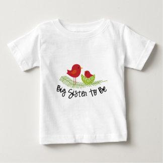 Camiseta Para Bebê irmã mais velha a ser passarinhos do Natal