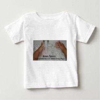 Camiseta Para Bebê Jesus na água com dois polegares levanta a