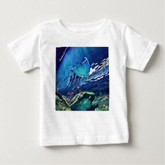 Camiseta Para Bebê Lado de baixo artístico legal da arraia-lixa