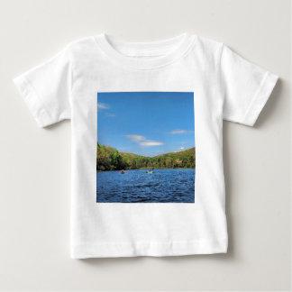 Camiseta Para Bebê Lago escondido Kayaking valley