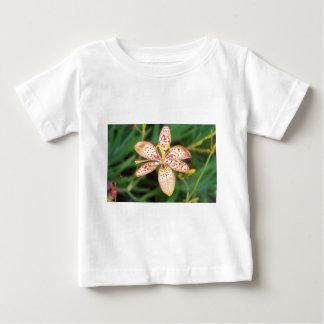 Camiseta Para Bebê Laranja pálida lírio manchado de Blackberry