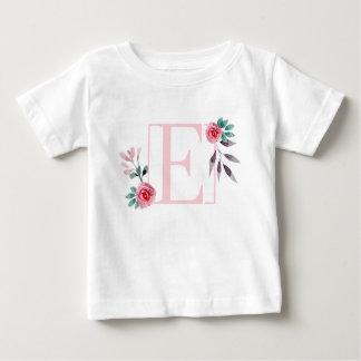 Camiseta Para Bebê Letra floral E da aguarela dos rosas - nome