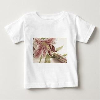 Camiseta Para Bebê Lilly. Pastel