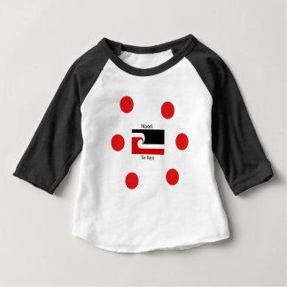 Camiseta Para Bebê Língua de Te Reo e design maori da bandeira