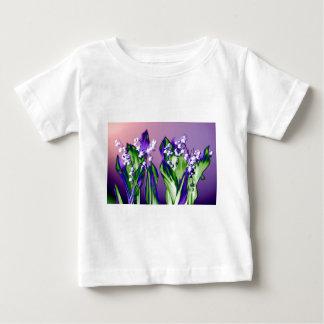 Camiseta Para Bebê Lírio do vale na lavanda
