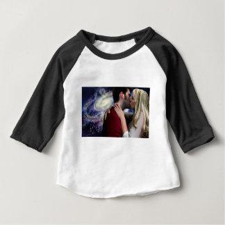 Camiseta Para Bebê Luz das estrelas em seu beijo