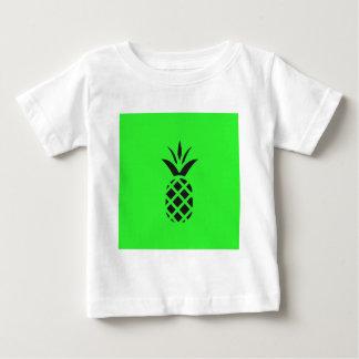 Camiseta Para Bebê Maçã do pinho preto no verde