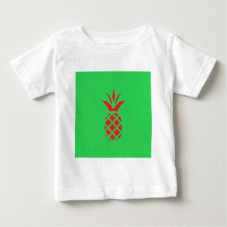 Camiseta Para Bebê Maçã do pinho vermelho no verde