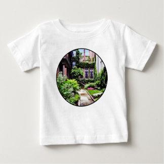 Camiseta Para Bebê MÃES de Boston - jardim escondido