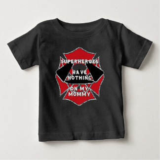 Camiseta Para Bebê Mamães do sapador-bombeiro