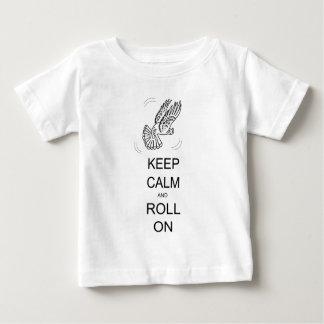 Camiseta Para Bebê Mantenha a calma e role sobre