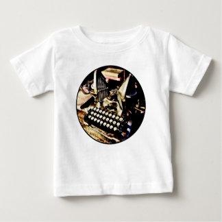 Camiseta Para Bebê Máquina de escrever antiga Oliver #9