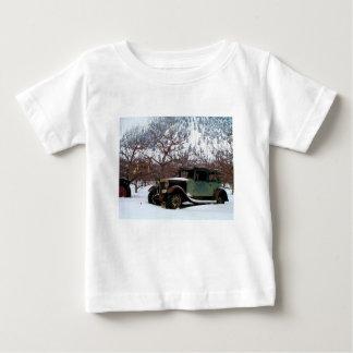 Camiseta Para Bebê Marco do pomar do inverno