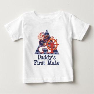 Camiseta Para Bebê Marinheiro do primeiro companheiro do pai