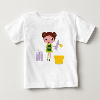 Camiseta Para Bebê Menina artística pequena com garrafa
