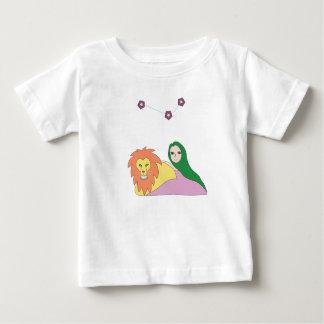 Camiseta Para Bebê Menina com o t-shirt do leão para bebês