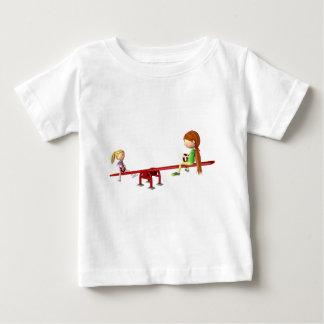 Camiseta Para Bebê Meninas dos desenhos animados em um balanço