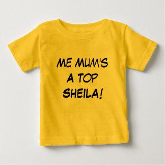 Camiseta Para Bebê Mim uma Sheila superior da mãe, presente