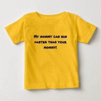 Camiseta Para Bebê Minhas mamães podem funcionar mais rapidamente do