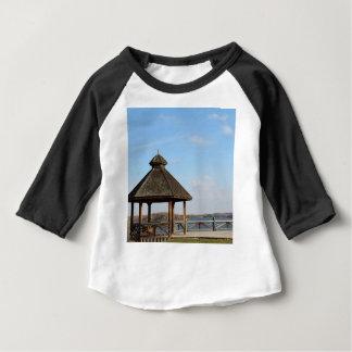 Camiseta Para Bebê Miradouro sobre o lago