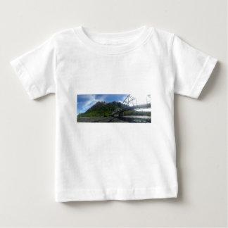 Camiseta Para Bebê Montada na luz do dia infinita do verão