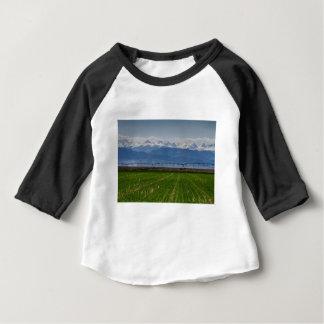 Camiseta Para Bebê Montanha rochosa que cultiva a vista