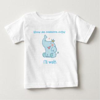 Camiseta Para Bebê Mostre-me alguém mais bonito. Eu esperarei