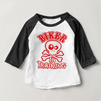 Camiseta Para Bebê Motociclista no treinamento