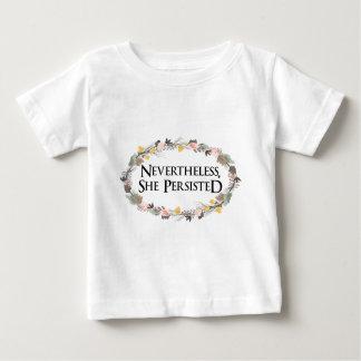 Camiseta Para Bebê não obstante persistiu
