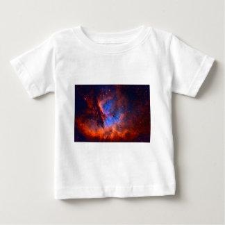 Camiseta Para Bebê Nebulosa galáctica abstrata com nuvem cósmica