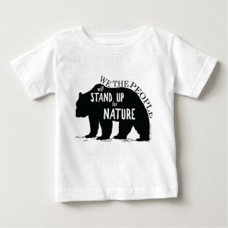 Camiseta Para Bebê Nós que as pessoas representam acima a natureza -