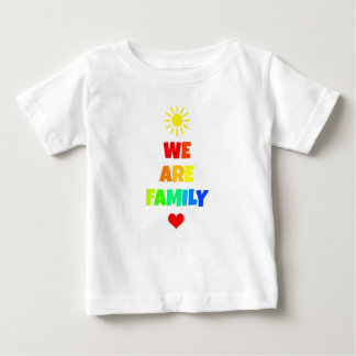 Camiseta Para Bebê Nós somos design da adopção da luz do sol do