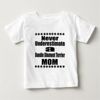 Camiseta Para Bebê Nunca subestime a mamã de Dandie Dinmont Terrier