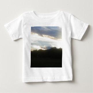 Camiseta Para Bebê Nuvens 1