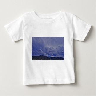 Camiseta Para Bebê Nuvens 1 do rastejamento