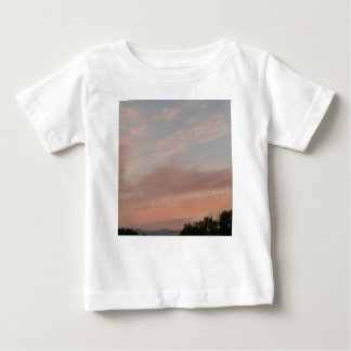 Camiseta Para Bebê Nuvens estranhas 2