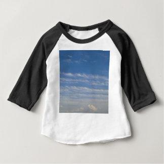 Camiseta Para Bebê Nuvens misturadas