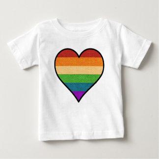 Camiseta Para Bebê O amor de LGBT é coração do arco-íris do amor