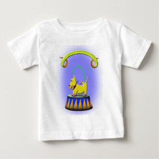 Camiseta Para Bebê o cão footed humano extraordinário do scottie
