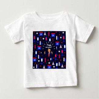 Camiseta Para Bebê o feliz ano novo Donald Trump