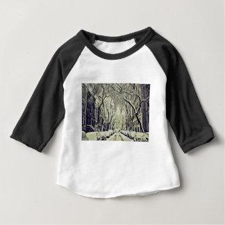 Camiseta Para Bebê O inverno cobriu ruas