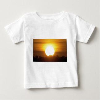 Camiseta Para Bebê o kground adiciona o por do sol CONHECIDO da FOTO