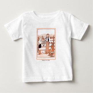 Camiseta Para Bebê O livro de criança do vintage - falando ao