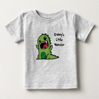 Camiseta Para Bebê O monstro pequeno da avó