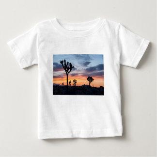 Camiseta Para Bebê O partido do parque da árvore personaliza destinos