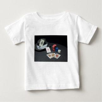 Camiseta Para Bebê O póquer carda o chapéu do gângster