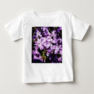 Camiseta Para Bebê O remendo roxo da flor