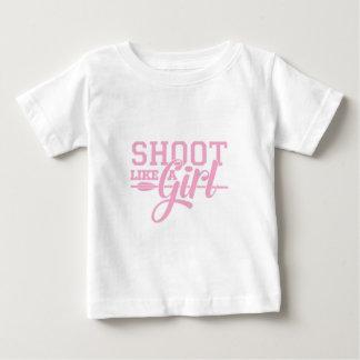Camiseta Para Bebê O rosa gosta de uma menina