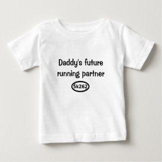Camiseta Para Bebê O sócio running futuro do pai