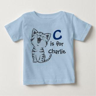 Camiseta Para Bebê O T C dos meninos é para Charlie com um gato